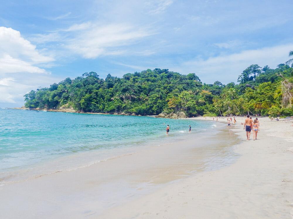 Main beach, Manuel Antonio guide