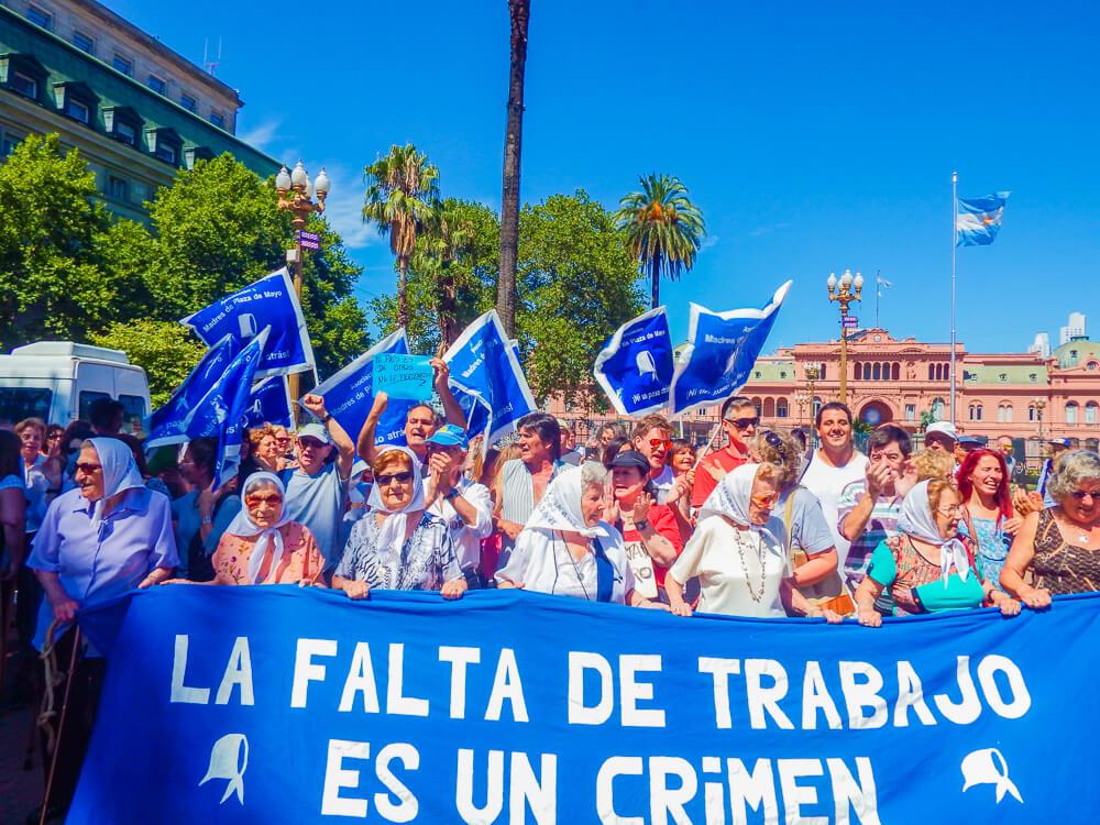 Mothers at Plaza de Mayo, Buenos Aires sights