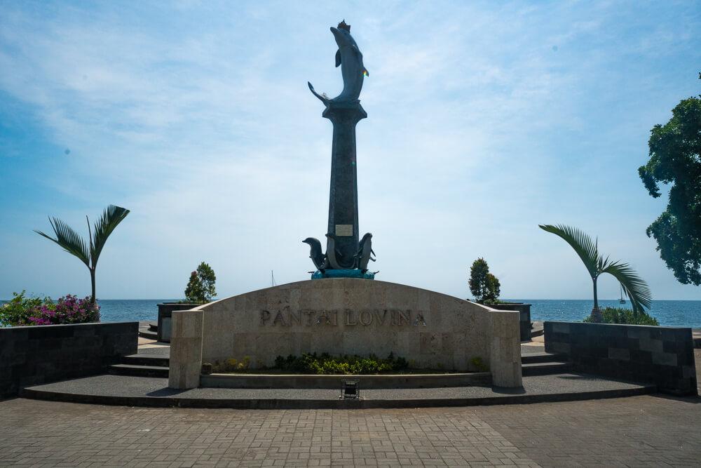 Dolphin statue, Lovina guide