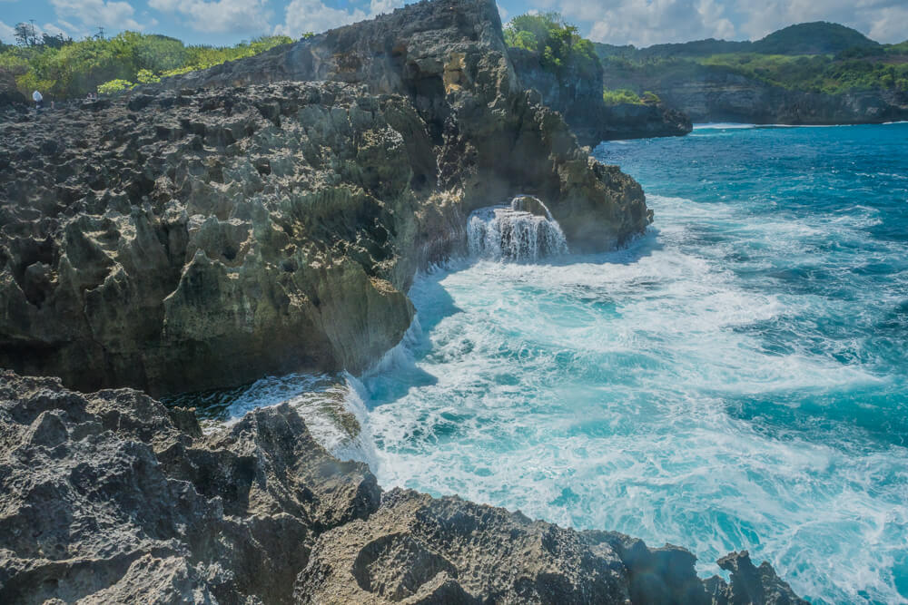 Mini waterfall at Angel's Billabong - Nusa Penida, Bali, travel guide