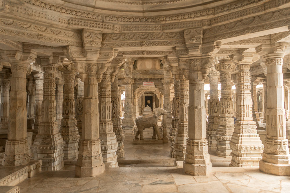 Inside Ranakpur Jain Temple - an amazing place to visit on the way from Udaipur to Jodhpur