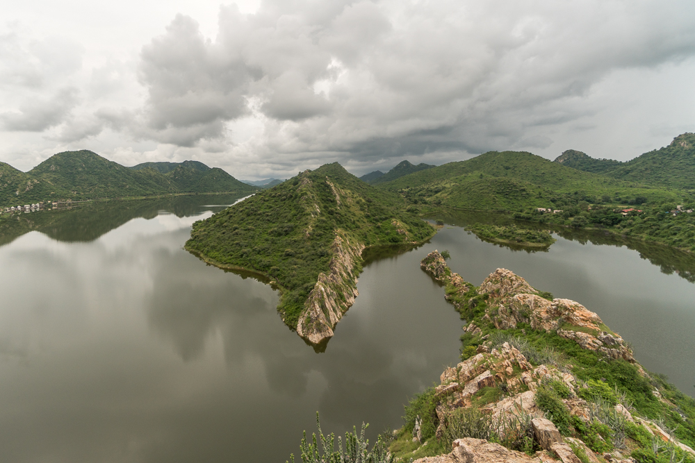Viewpoint of Badi Lake, a spot not to miss after going from Jaipur to Udaipur